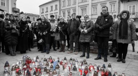 Piotrkowianie pożegnali prezydenta Pawła Adamowicza – zobacz film i zdjęcia