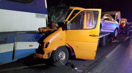 Laweta uderzyła w autobus