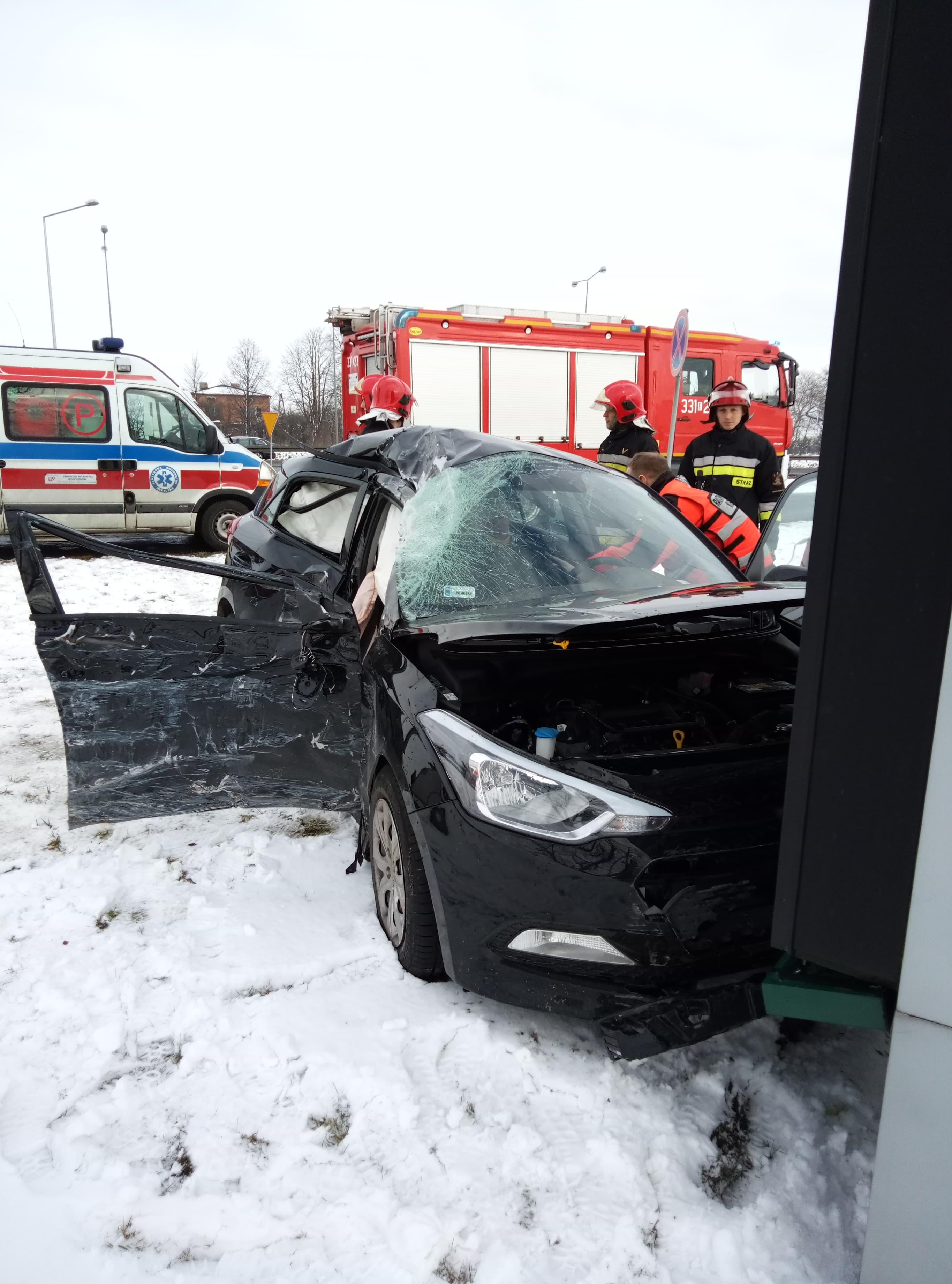 Photo of Wypadek i dwie kolizje pomiędzy Piotrkowem a Bełchatowem – zdjęcia