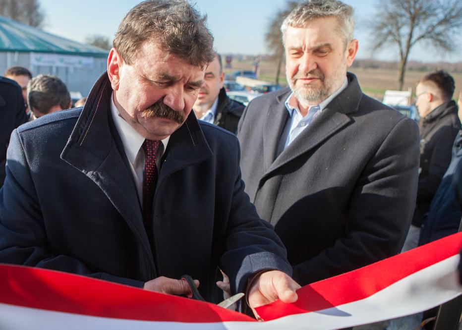 Photo of Minister rolnictwa na otwarciu chlewni w powiecie piotrkowskim
