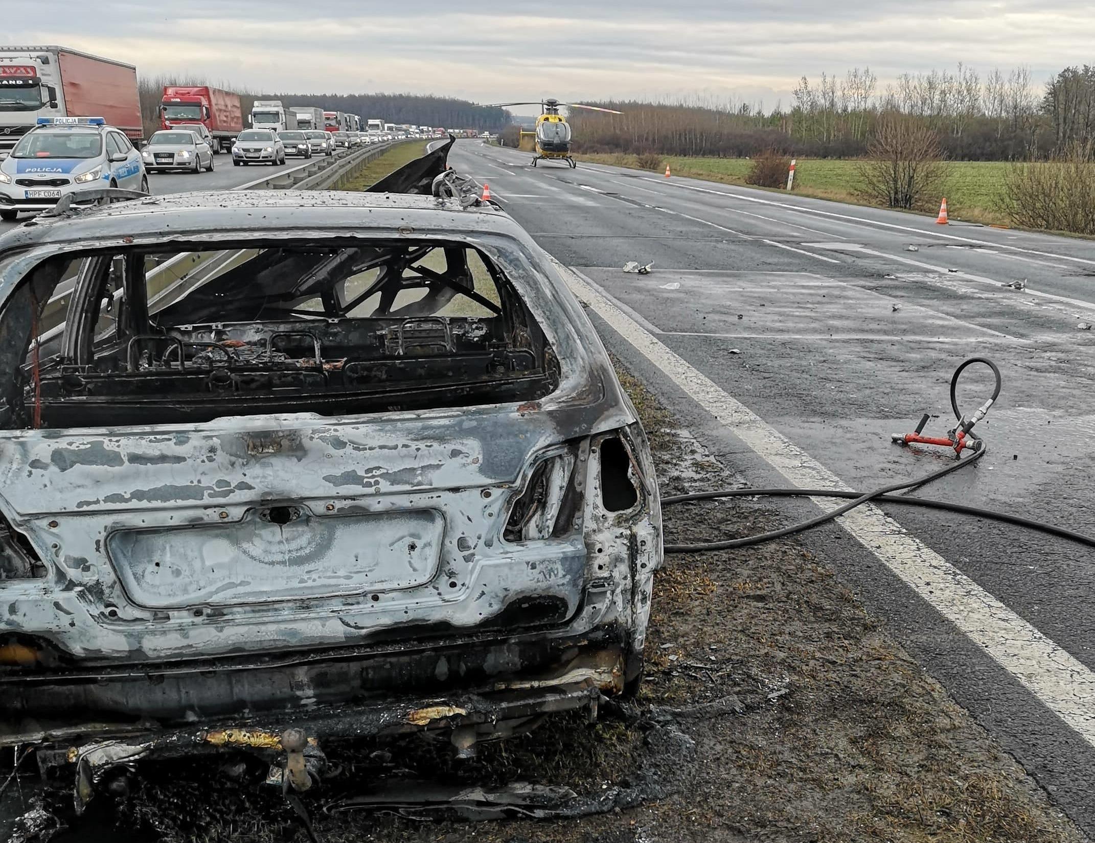 Photo of Pożar samochodu na DK1. Jedna osoba ranna