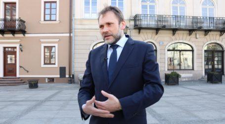 """Poseł Grzegorz Lorek:  """"Nawet o małych sprawach trzeba mówić"""""""