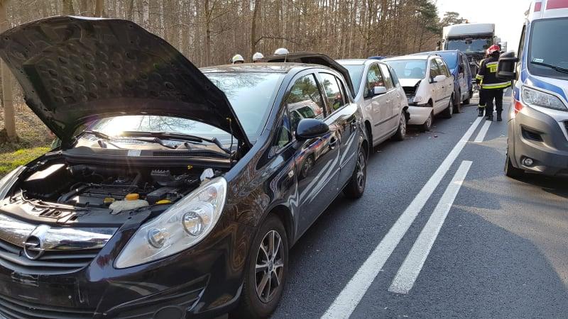 Photo of Karambol w Poniatowie. 8 osób trafiło do szpitala w tym 3-miesięczne dziecko. Rozbitych 5 aut