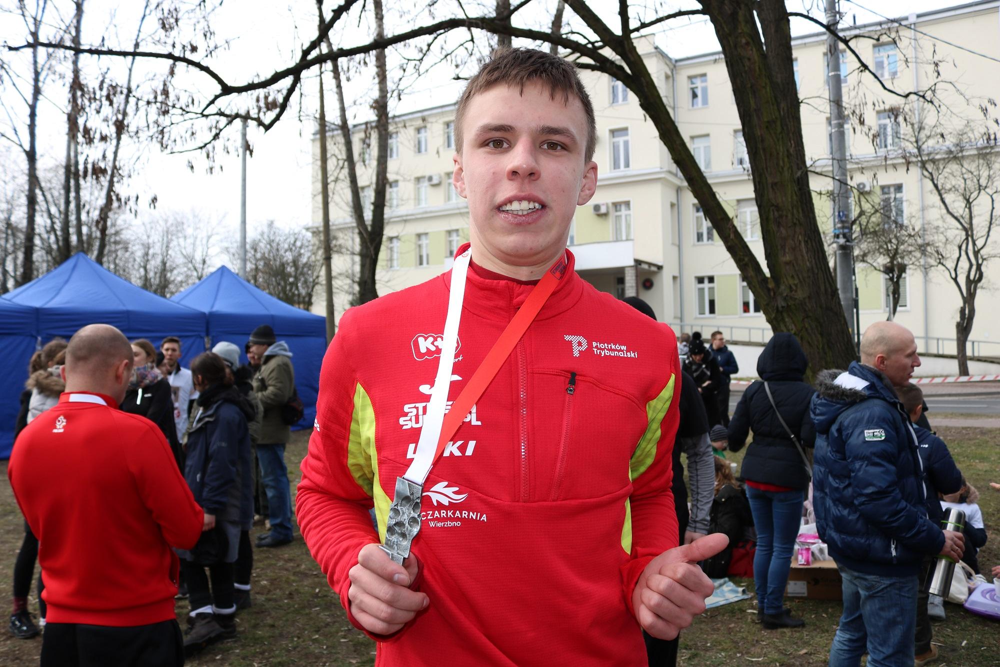 Photo of Jakub Deląg z Piotrkowa zbiera pieniądze na start w Pucharze Świata w Nordic Walking