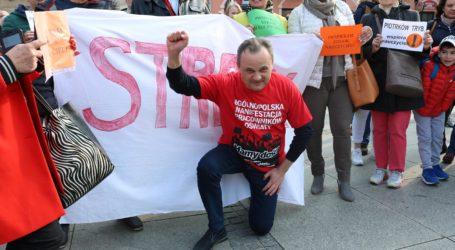 Poparli strajkujących nauczycieli