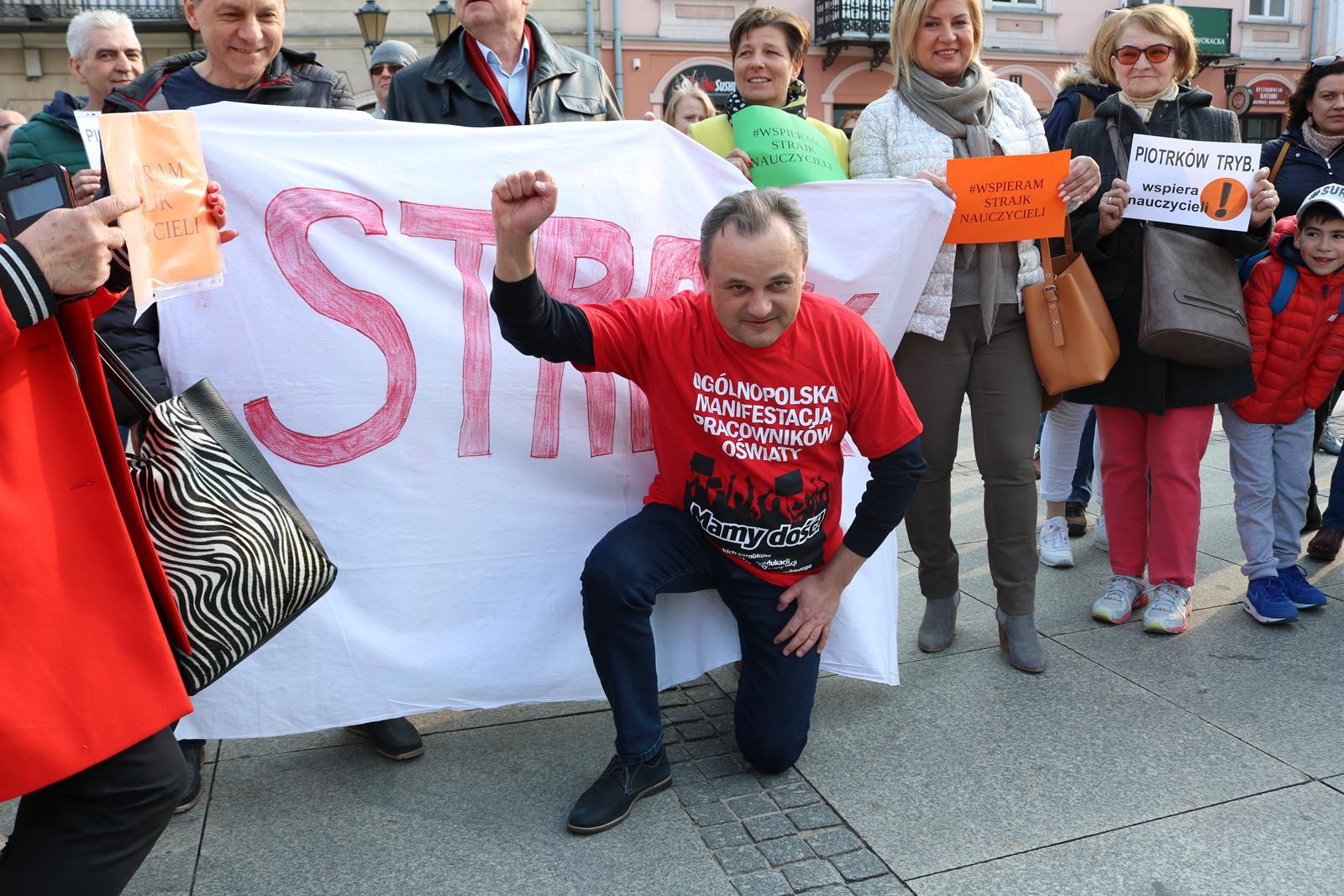 Photo of Poparli strajkujących nauczycieli