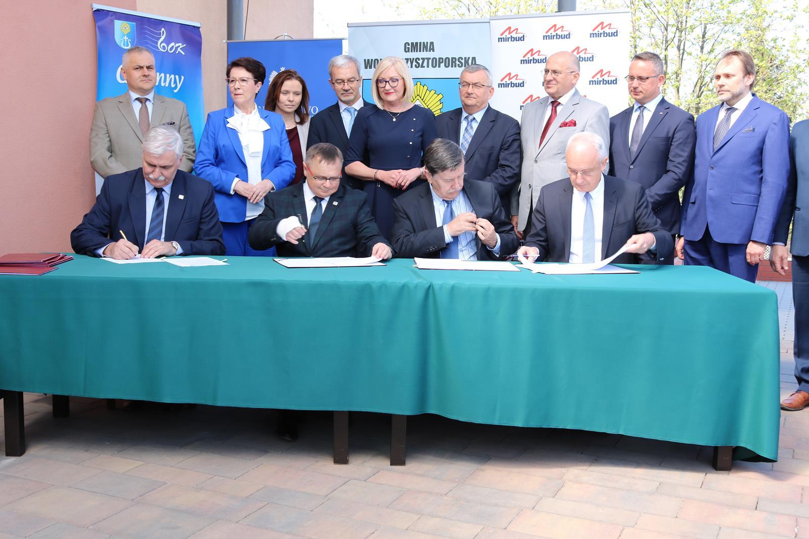 Photo of Podpisano umowę na budowę odcinka autostrady A1 Piotrków Trybunalski – Kamieńsk
