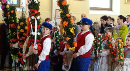 """Zespół """"Choberki"""" brał udział w uroczystych obchodach Niedzieli Palmowej"""