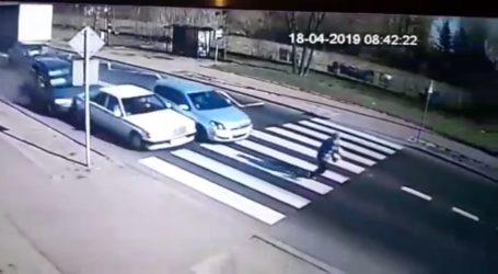 Kolizja 4 samochodów w Sulejowie – film z miejsca wypadku