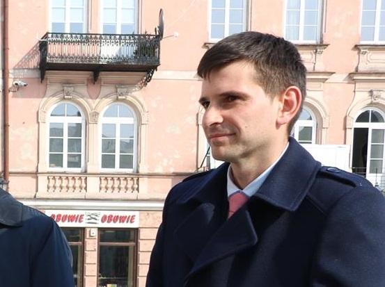 Photo of Radny Oskar Kuliński apeluje do wojewody w sprawie szkoły w Ręcznie
