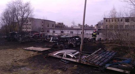 Paliła się dziupla z nielegalnymi częściami samochodowymi w Woli Krzysztoporskiej
