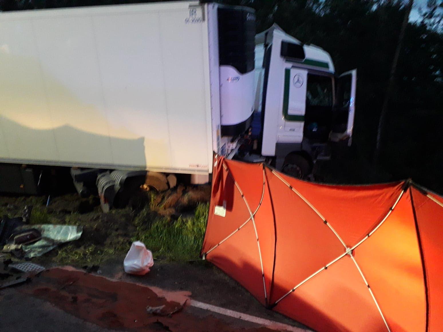 Photo of Dwie ofiary śmiertelne wypadku we Włodzimierzowie – AKTUALIZACJA