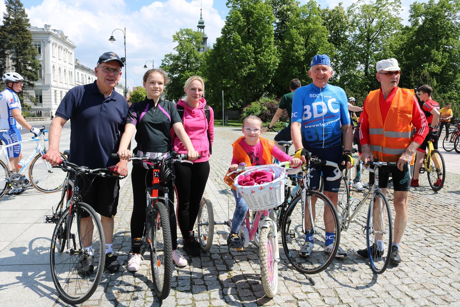 """Photo of """"Rowerem po zdrowie"""" czyli rajd z olimpijczykami"""