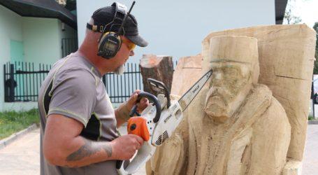 Plener rzeźbiarski – posłuchaj relacji, zobacz film