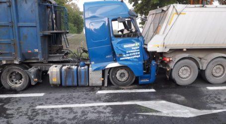 Zderzenie ciężarówek na DK12 – FILM