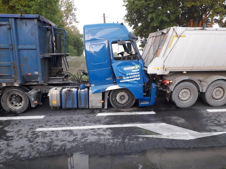 Photo of Zderzenie ciężarówek na DK12 – FILM
