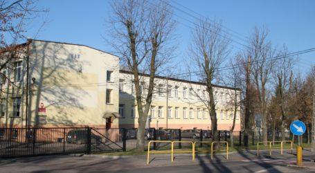 Zamieszanie wokół szkoły w Moszczenicy i próba pobicia wójta Piekarka?