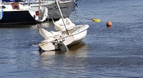 Na Zalewie Sulejowskim przewróciła się łódź