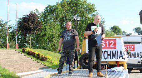 """""""S12 Natychmiast"""" – spotkanie na placu Straży w Sulejowie. Mieszkańcy zbierają podpisy – POSŁUCHAJ RELACJI"""