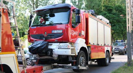 Do bazy powrócił rozbity wóz strażacki – foto, video