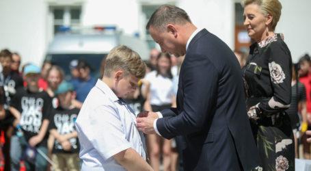 Bohaterski Dawid z gm. Aleksandrów, otrzymał medal od prezydenta RP – FILM