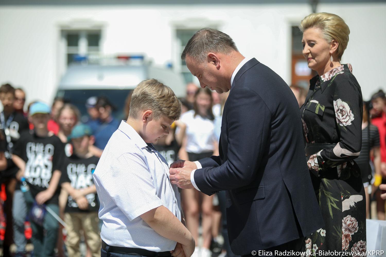 Photo of Bohaterski Dawid z gm. Aleksandrów, otrzymał medal od prezydenta RP – FILM