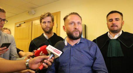 Kamil Durczok opuszcza policyjny areszt – POSŁUCHAJ OŚWIADCZENIA