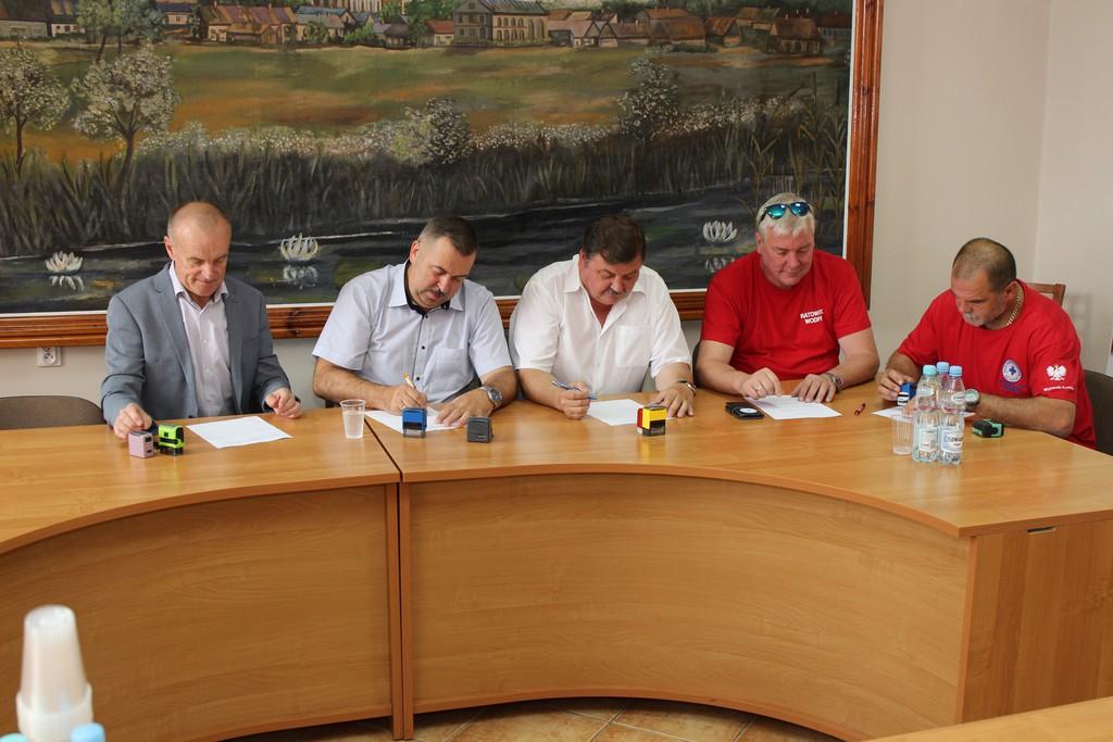Photo of Nad Zalewem Cieszanowickim będzie bezpieczniej – jest porozumienie gmin!