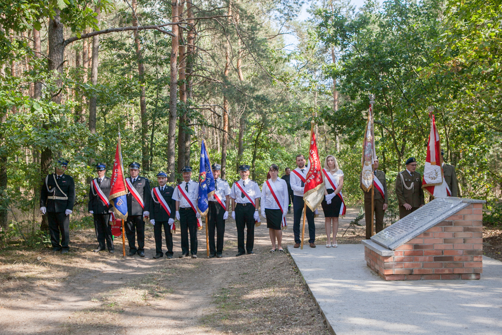Photo of Uczcili pamięć pomordowanych