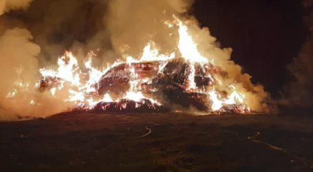 Pożar sterty słomy