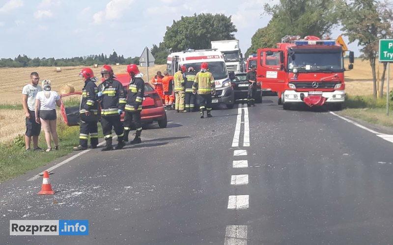 Photo of DK91 zablokowana. Rozbite dwa auta, trzy osoby trafiły do szpitala