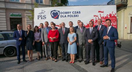 PiS zaprezentowało kandydatów do Sejmu i Senatu