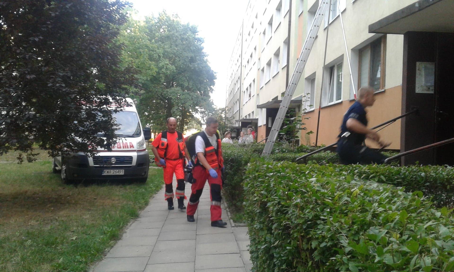 Photo of Strażacy pomogli otworzyć mieszkanie starszej pani. Lokatorka niestety już nie żyła