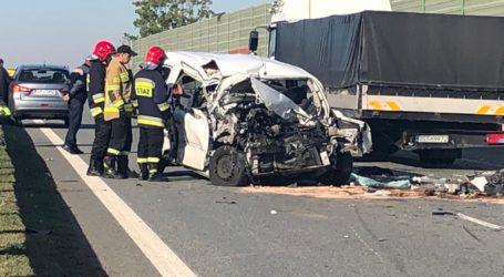 Wypadek na S8. Ciężko ranny pasażer osobówki -AKTUALIZACJA (FILM,ZDJĘCIA)