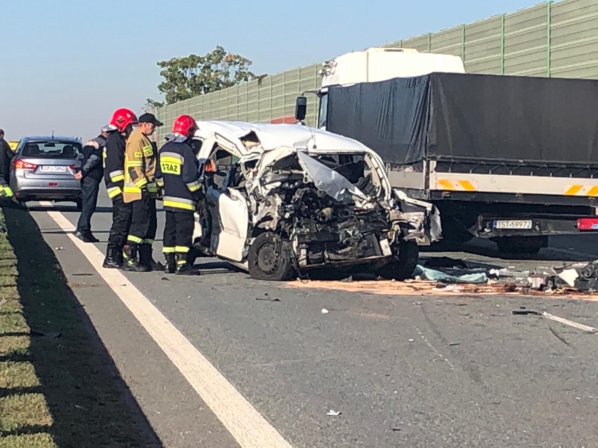 Photo of Wypadek na S8. Ciężko ranny pasażer osobówki -AKTUALIZACJA (FILM,ZDJĘCIA)