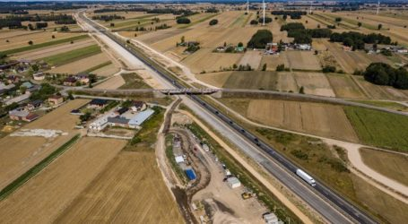 Postęp prac na budowie A1 Tuszyn – Piotrków Trybunalski – film z drona