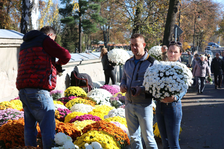 Photo of Organizacja ruchu w okolicach cmentarzy w Piotrkowie i regionie
