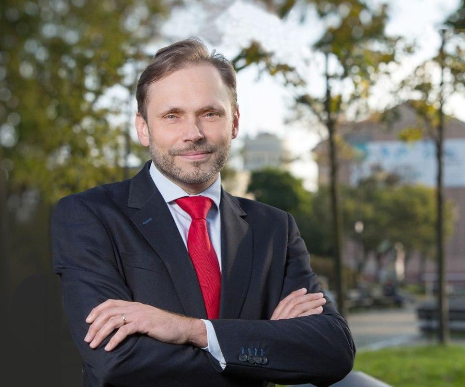 Photo of Poseł Grzegorz Lorek liderem w Piotrkowie i powiecie