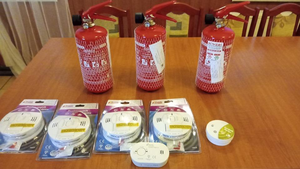 Photo of Spotkanie ze strażakami. Można było wygrać czujki czadu, dymu i gaśnice