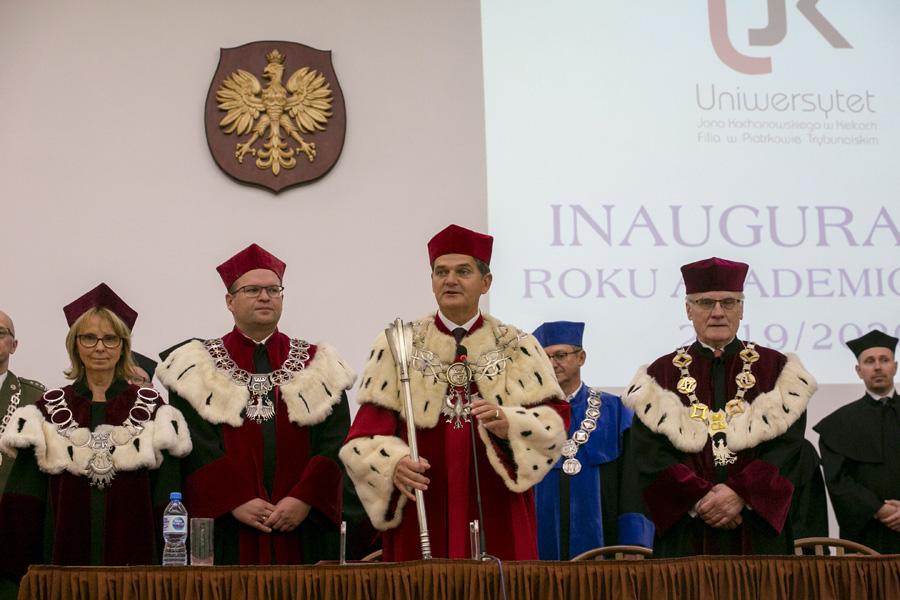 """Photo of """"Gaudeamus igitur…"""" w piotrkowskiej filii UJK, czyli rozpoczęcie roku akademickiego"""