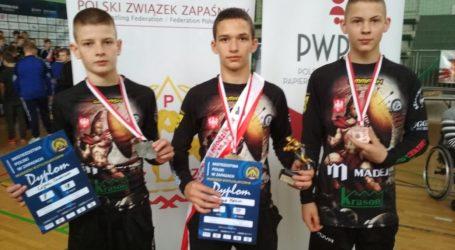 Trzy medale zapaśników AKS w Mistrzostwach Polski młodzików