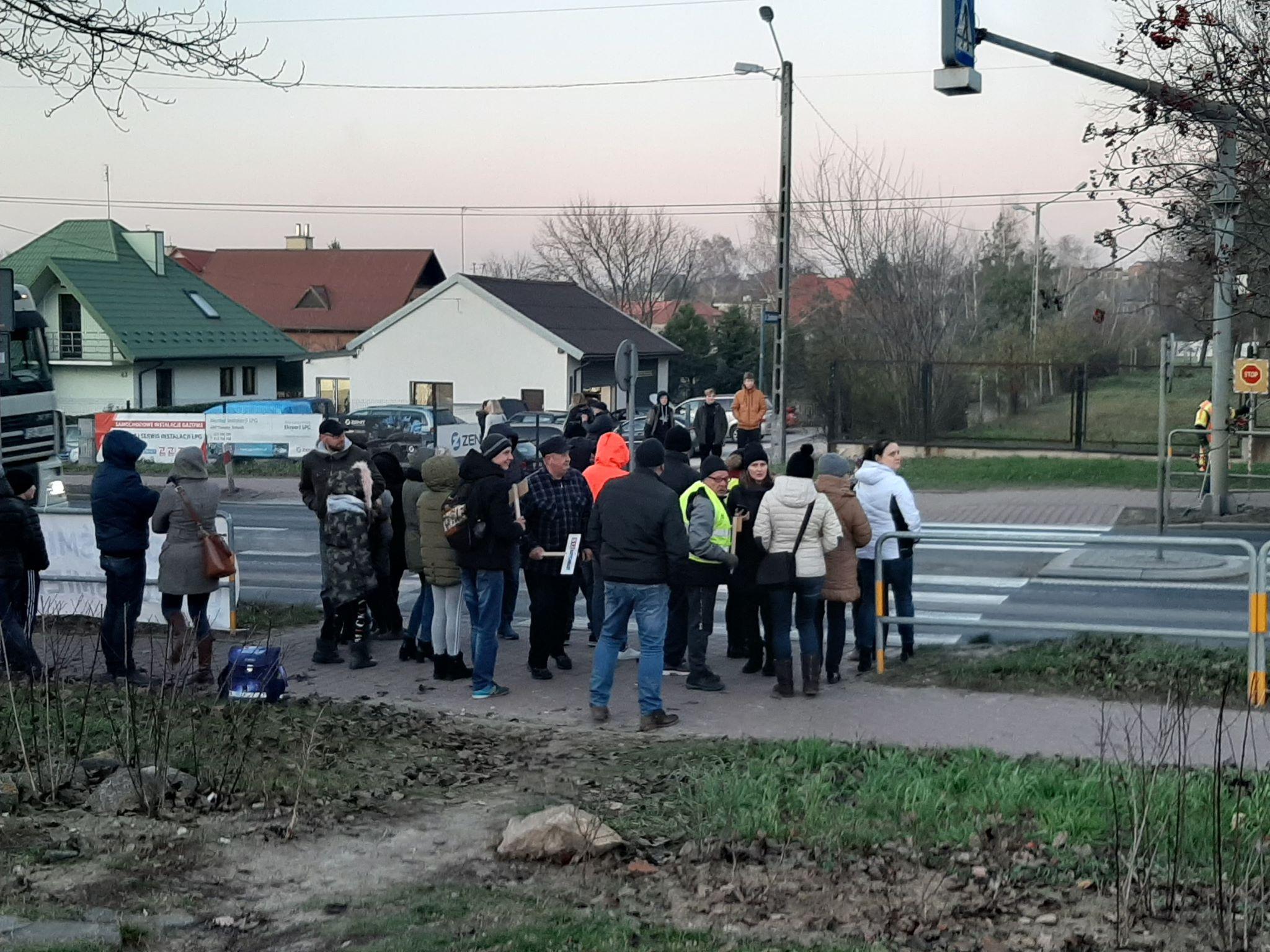 Photo of Mieszkańcy Sulejowa blokowali DK74