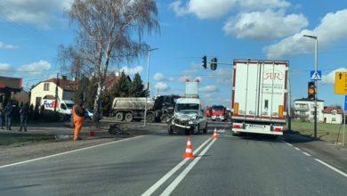 Photo of Karlin: zderzenie osobówki z samochodem ciężarowym