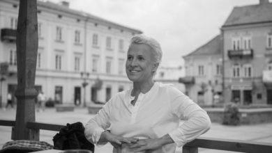 Photo of Nie żyje dziennikarka Ewa Żarska. Pochodziła z Piotrkowa