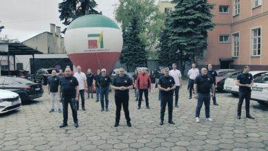 Photo of Starosta powiatu i piotrkowscy policjanci przyjęli wyzwanie w #GASZYNCHALLENGE [FILM]