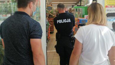 Photo of Sanepid w asyście policji kontrolował piotrkowskie sklepy. Ile wystawiono mandatów?