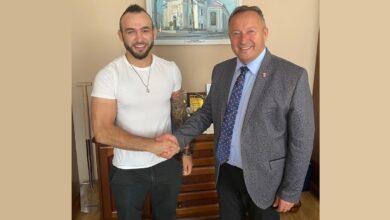 Photo of Krakowiak przed walką spotkał się z burmistrzem Wolborza – FILM