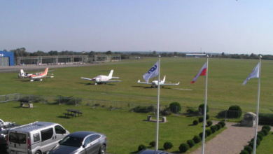 Photo of Kraksa na lotnisku. Uszkodzona awionetka LOTu