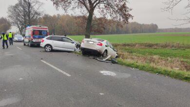 Photo of Trzy rozbite pojazdy i dwie osoby ranne…