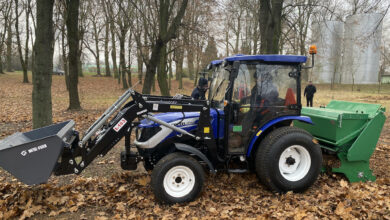 Photo of Wolbórz: Gmina zakupiła specjalistyczny ciągnik z urządzeniami do prac porządkowych